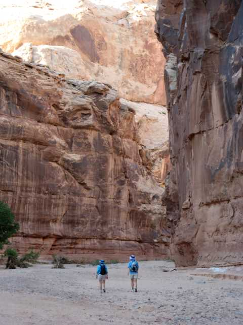 Kit and Kelleen in Horseshoe Canyon