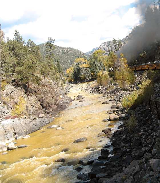 The Animas River from the train