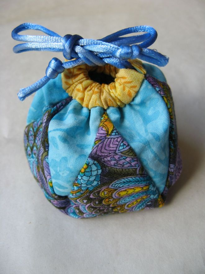 Avalanche Lily bag, side view.