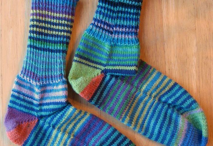 Sock Knitting Blogs : Finished Friday: Knitting Socks from Leftover Yarn   Kit Dunsmores Blog