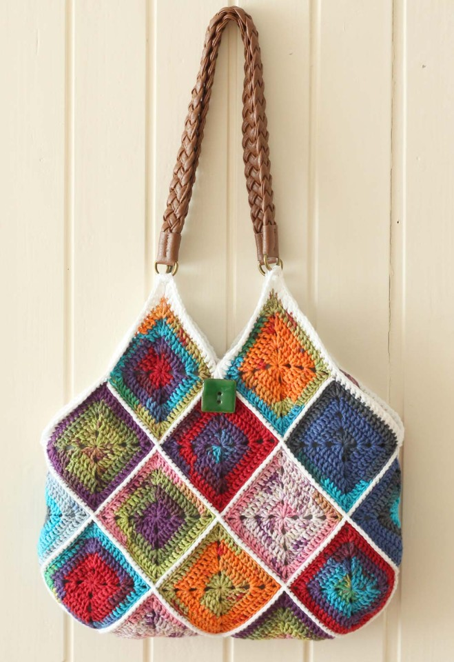 Crochet squares bag by Marinke Slump